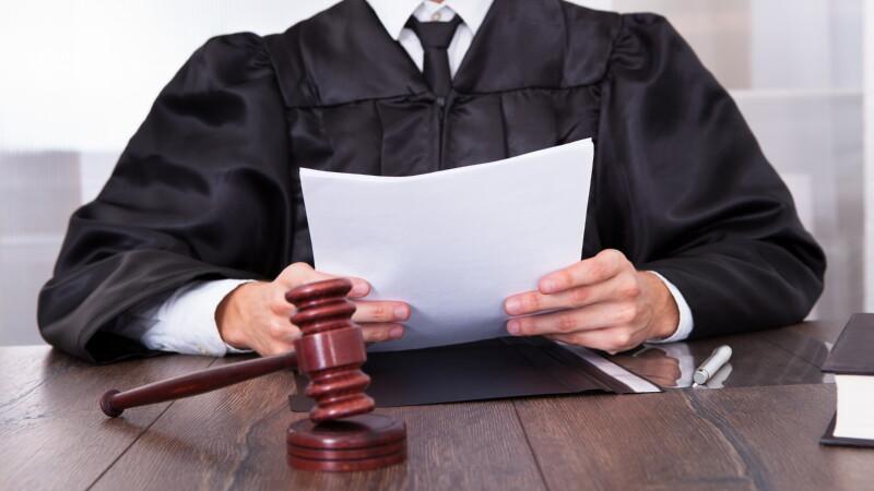 Обращаться ли в суд или решать дело миром?
