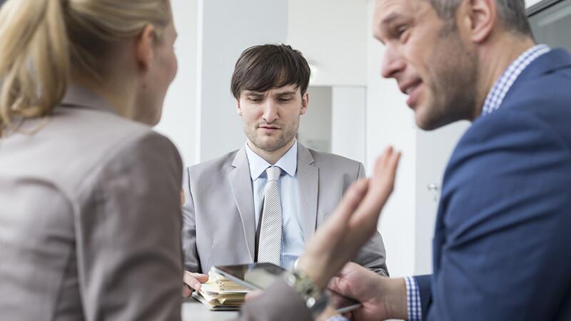 Одному супругу остается бизнес, другому – деньги