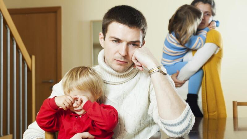 Могут ли при разводе разделить детей?